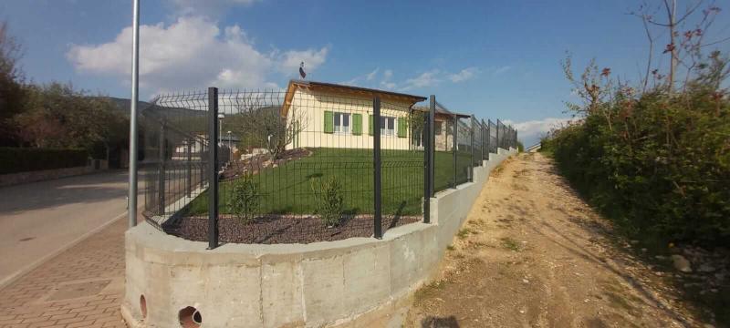 piantone-recinzione-fissaggio-staffa_01